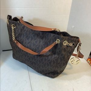 Authentic Michael kors purse/bag